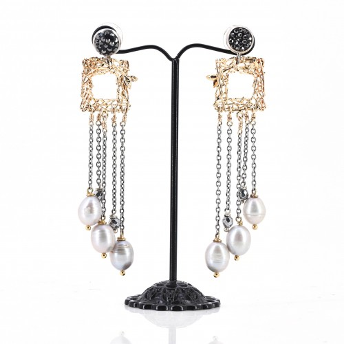 CHANDELIER MIXED METAL EARRING